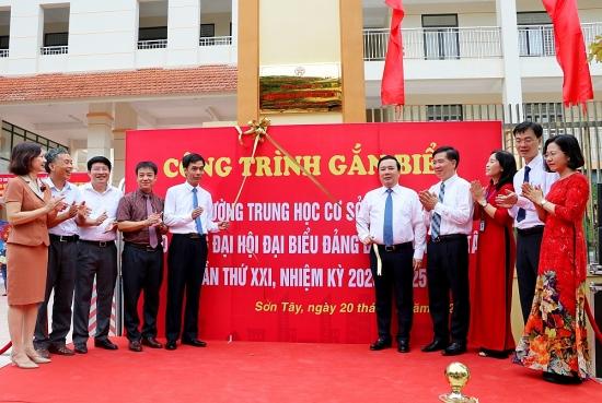 Sơn Tây gắn biển Công trình chào mừng Đại hội Đảng bộ lần thứ XXI