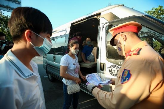 Tăng cường giám sát di biến động của lái xe, phụ xe vận tải hàng hoá từ các vùng dịch về Hà Nội