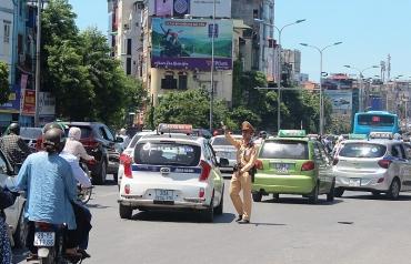 Tuần tra 24/24h đảm bảo giao thông dịp nghỉ lễ
