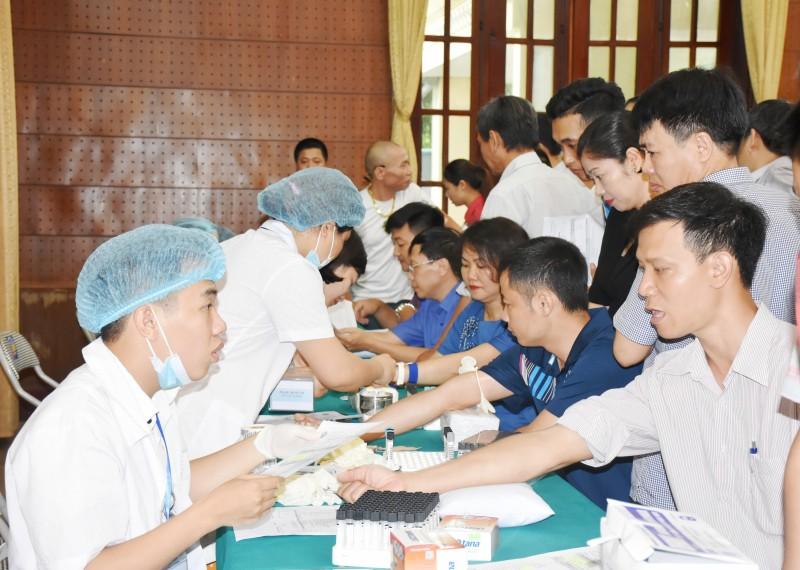 Chú trọng công tác chăm lo nâng cao sức khỏe người lao động