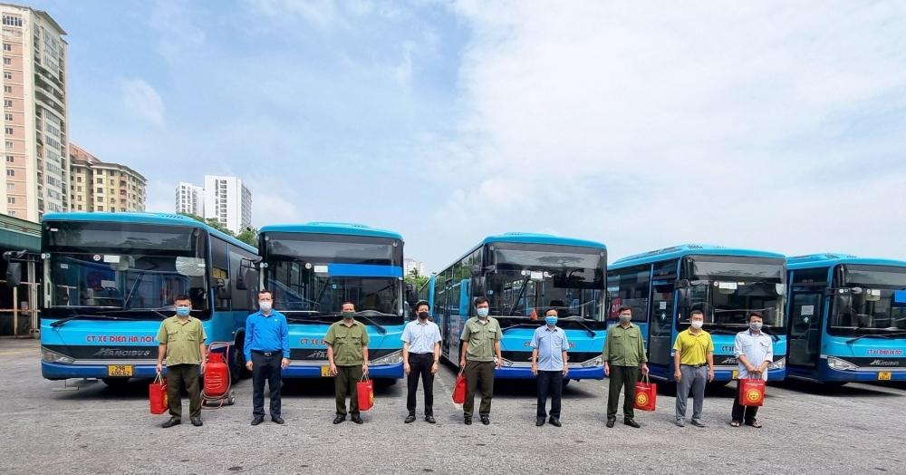 Sớm giải quyết khó khăn cho lực lượng lao động vận tải hành khách Thủ đô