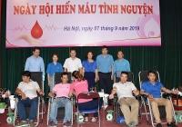 Hơn 150 cán bộ, công nhân viên chức lao động tham gia hiến máu tình nguyện
