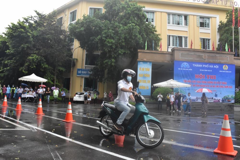 Kiềm chế tai nạn giao thông: Bắt đầu từ ý thức