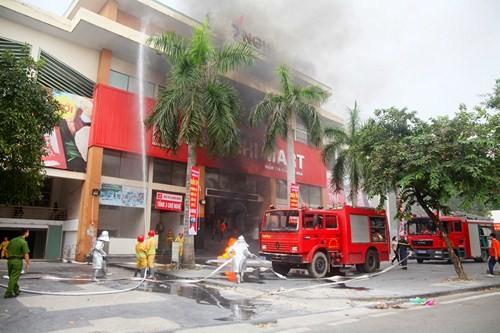Sơn Tây diễn tập phương án chữa cháy tại Chợ Nghệ