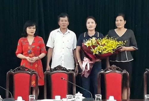 Công đoàn cơ quan Ủy ban nhân dân huyện Ba Vì gặp mặt cán bộ, đoàn viên nữ