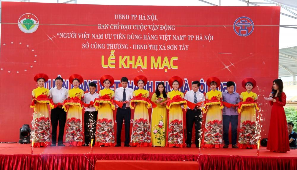 Khai mạc Tuần hàng Việt' và điểm giới thiệu, bán sản phẩm OCOP tại Sơn Tây
