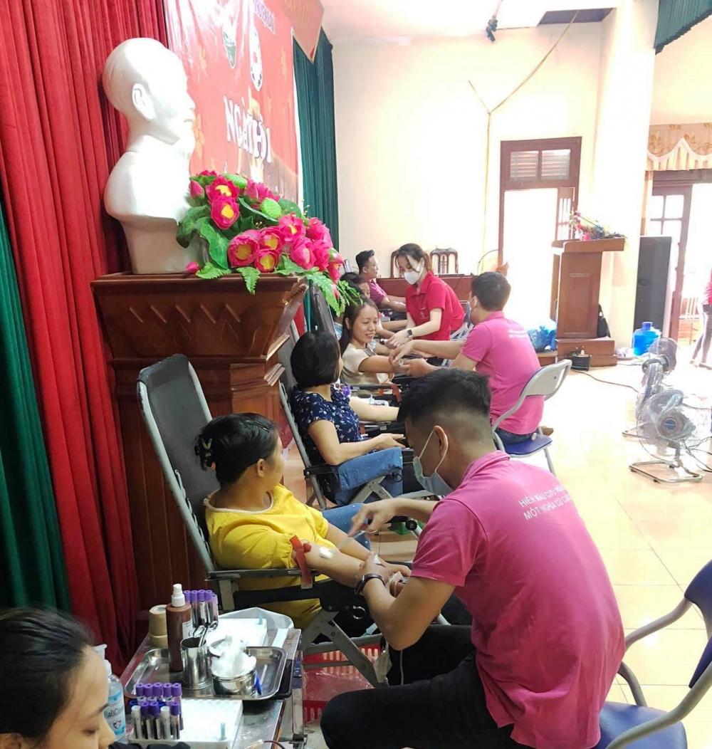 Huyện Ba Vì tổ chức hiến máu tại xã Vạn Thắng