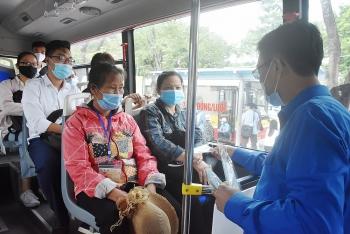 Hành khách không đeo khẩu trang có thể bị từ chối phục vụ khi tham gia giao thông công cộng