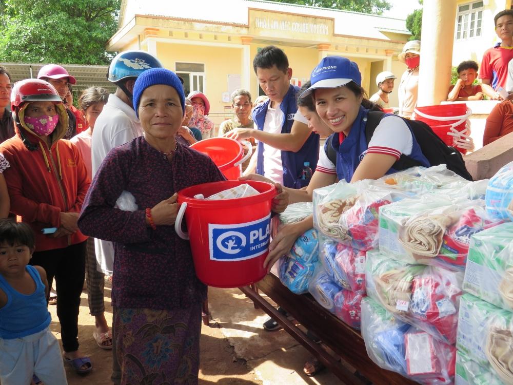 Huy động 26,3 tỉ đồng hỗ trợ người dân Quảng Bình, Quảng Trị sau thiên tai