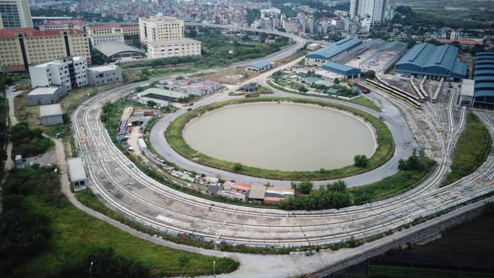 Cận cảnh các đoàn tàu Nhổn - ga Hà Nội chuẩn bị vận hành