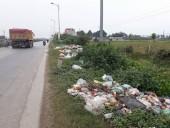 Bãi rác gây ô nhiễm trên Quốc lộ 1A