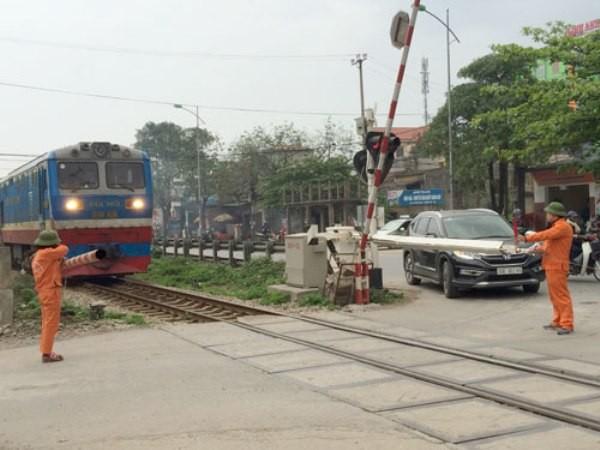 Hà Nội đảm bảo an toàn tại các điểm giao cắt giữa đường bộ và đường sắt