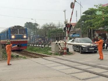 Ngành đường sắt đưa ra loạt giải pháp 'kéo' giảm tai nạn