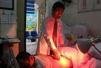 Người thầy thuốc 'đa năng' ở Tiên Phong