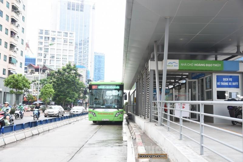 Tăng cường hạ tầng để xe buýt phát triển