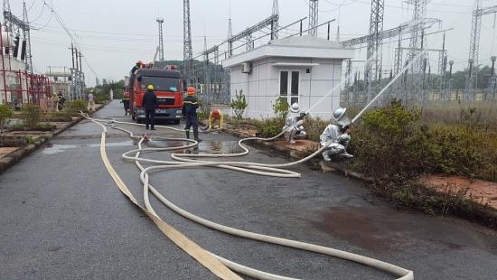 Sơn Tây: Thực tập phương án chữa cháy và cứu nạn cứu hộ