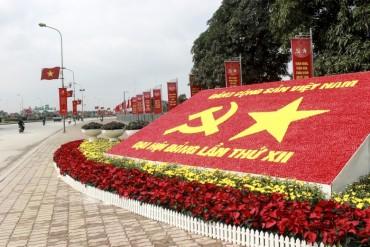 Hà Nội rực rỡ cờ hoa chào mừng Đại hội Đảng toàn quốc lần thứ XII