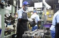 Dịch Covid-19 kéo dài sẽ khiến ngànhsản xuất công nghiệp gặp khó