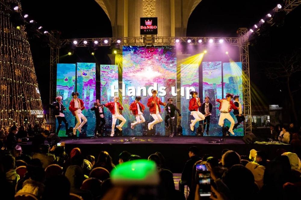 Sức nóng của đêm chung kết Dance cover Danko City xua tan giá lạnh tại Thái Nguyên