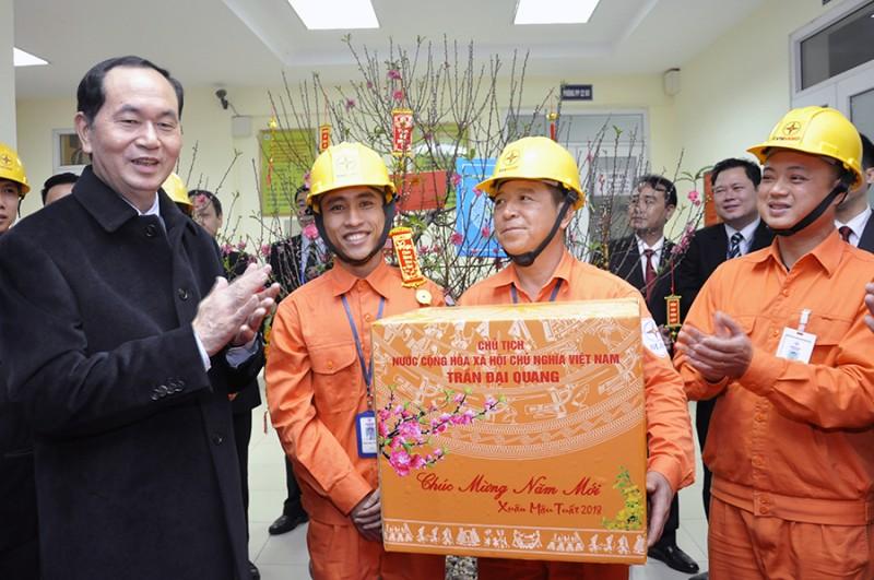 Chủ tịch nước Trần Đại Quang thăm và chúc Tết EVN Hà Nội