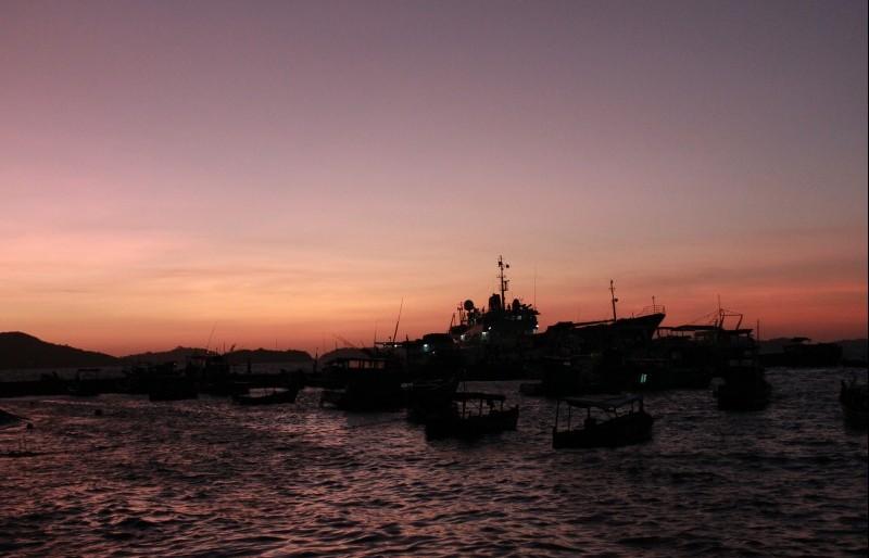 Đảo Nam Du đẹp bình yên buổi sớm mai