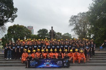 Hơn 300 CNVC-LĐ EVN Hà Nội đi bộ hưởng ứng Giờ Trái đất năm 2017