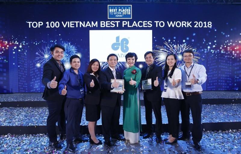Tập đoàn Xây dựng Hòa Bình 4 năm liêp tiếp lọt top 100 Nơi làm việc tốt nhất