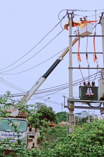EVN Hà Nội: Ứng dụng công nghệ sửa chữa điện nóng hotline