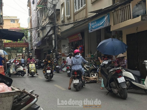 Nhiều cửa hàng, quán ăn trên địa bàn quận Hà Đông vẫn ngang nhiên hoạt động
