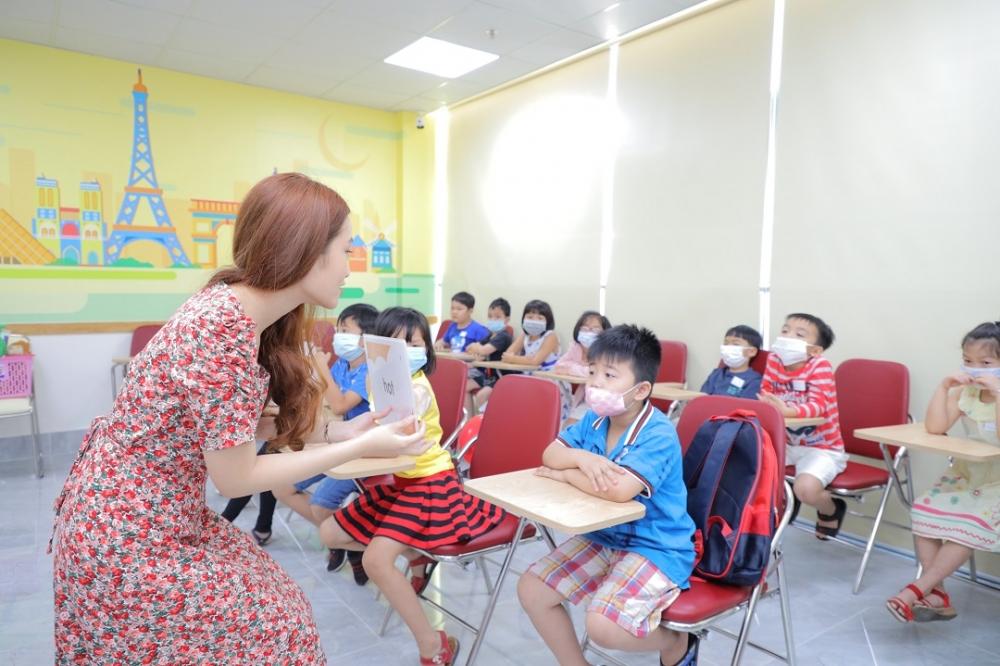 Lớp học tiếng Anh miễn phí khai trương cơ sở VUS thứ 41