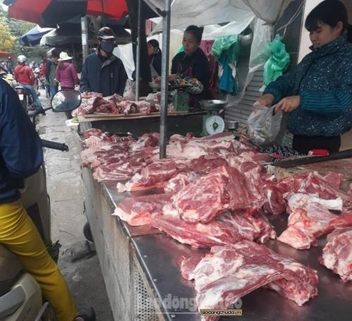 Đẩy mạnh kiểm tra và xử lý hành vi đầu cơ, tăng giá thịt lợn
