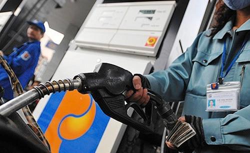 Giá xăng sẽ tăng lên 12.000 đồng/lít trong hôm nay?