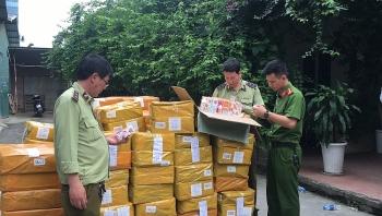 Hà Nội: Thu giữ gần 14.000 lọ tinh dầu thuốc lá điện tử