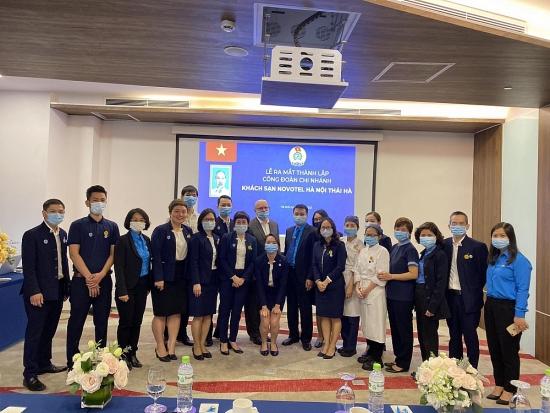 Ra mắt Công đoàn Chi nhánh Công ty TNHH Đầu tư Bất động sản Hòa Bình-Khách sạn Novotel Thái Hà Hà Nội