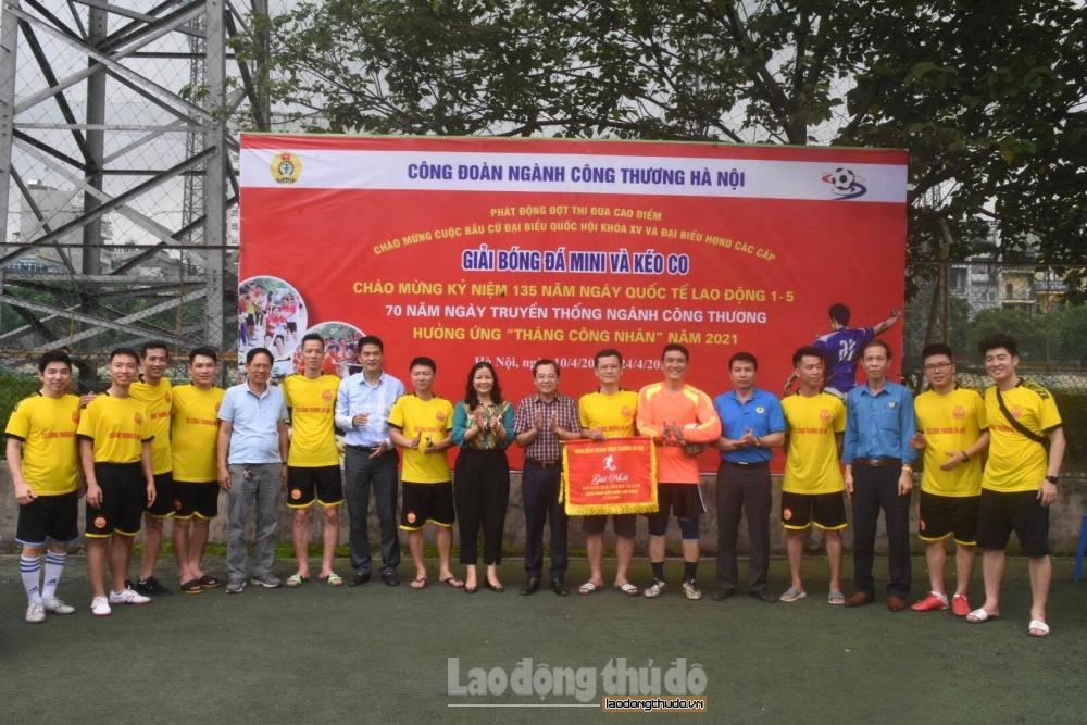 Bế mạc Giải bóng đá mini và kéo co ngành Công Thương Hà Nội năm 2021