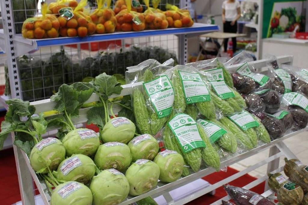 Lần đầu tổ chức phiên chợ nông sản an toàn tại Hà Nội