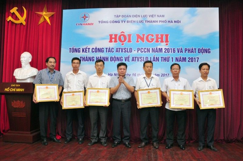 EVN Hà Nội phát động Tháng hành động về ATVSLĐ lần thứ nhất năm 2017