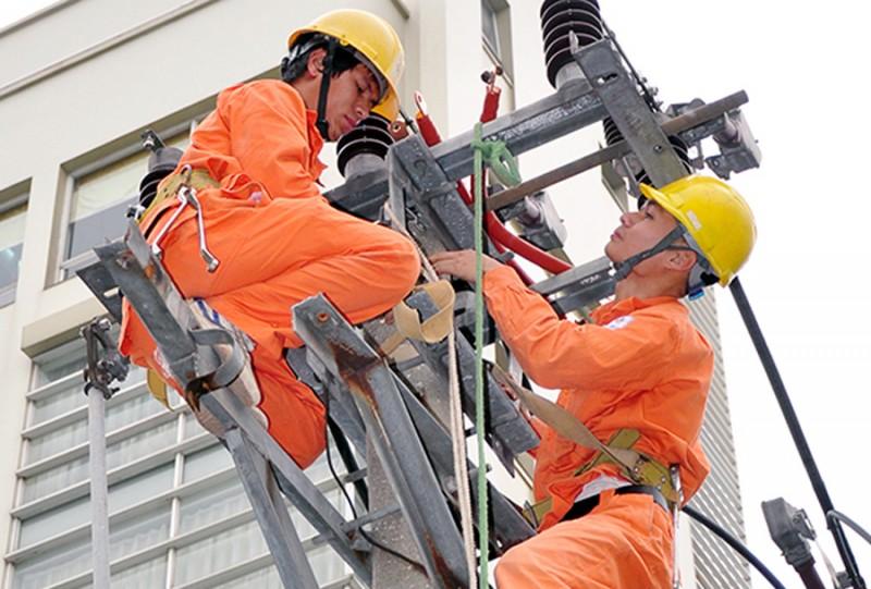 Khẩn trương hoàn thiện các công trình đảm bảo cấp điện trong năm 2018