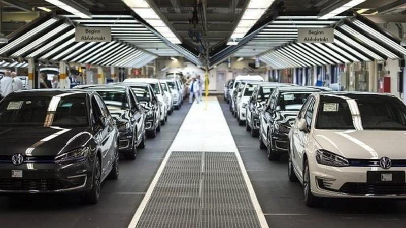 Ô tô Đức bất ngờ chiếm ngôi số 1 nhập khẩu vào Việt Nam