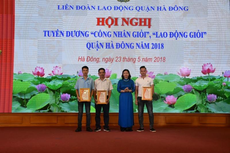 LĐLĐ quận Hà Đông tuyên dương 81 công nhân giỏi, lao động giỏi
