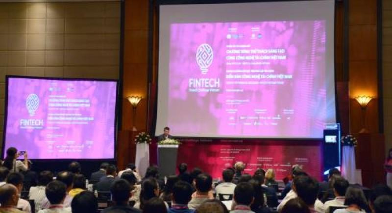 300 đại biểu tham dự Diễn đàn Công nghệ tài chính Việt Nam 2018