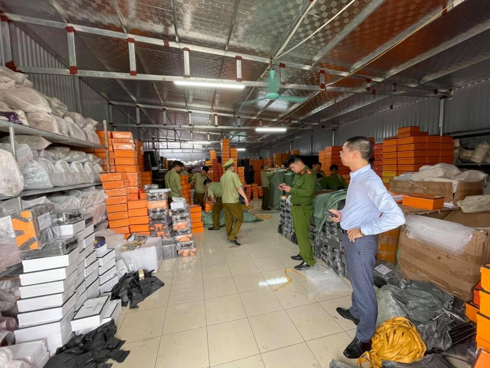 Vụ kho hàng giả nhãn mác tại Nam Định: Chuyển hồ sơ sang Công an điều tra, xử lý