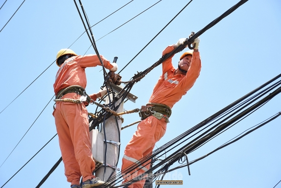 """Khuyến nghị khách hàng cách sử dụng điện đúng cách nhằm giảm bớt """"nỗi lo"""" tiền điện"""