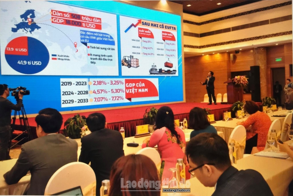 Hà Nội hỗ trợ doanh nghiệp xuất khẩu thông qua thương mại điện tử toàn cầu