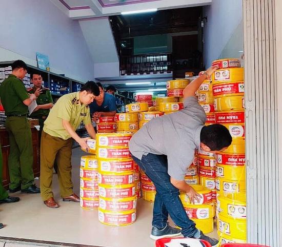 Chuyển giao hồ sơ vụ kinh doanh dây điện giả nhãn hiệu Trần Phú sang Công an điều tra