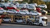 Ô tô nguyên chiếc nhập khẩu tiếp tục giảm mạnh