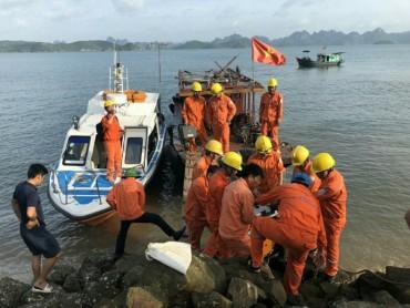 Nỗ lực khắc phục sự mất điện tại huyện đảo Cô Tô, Vân Đồn