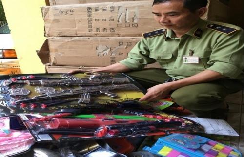 Phát hiện và tạm giữ hơn 20.000 sản phẩm đồ chơi trẻ em nguy hại