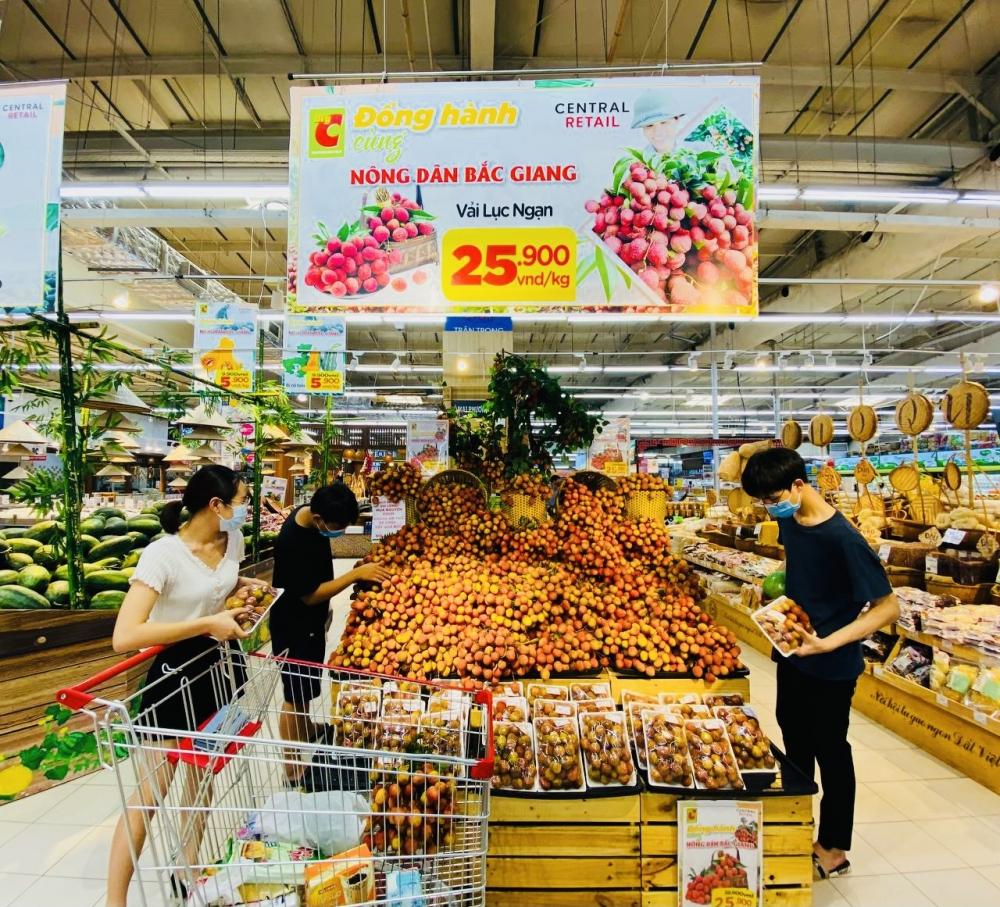 Central Retail triển khai loạt chương trình kích cầu tiêu thụ vải thiều năm 2021