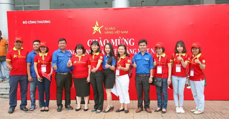 dap xe dieu hanh chuong trinh nhan dien hang viet nam tu hao hang viet nam 2017 56358